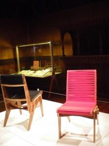 Abbot Millers chair aus nachhaltig geerntetem bolivianischem Sperrholz