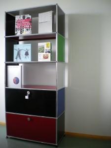Eine Auswahl aus dem Vitra-Katalog mit dem smow System Sideboard von USM Haller