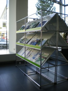 A light, attrcative and welcoming USM Haller Infostand
