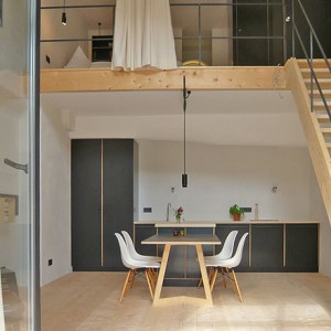 The room Hohe Kammer in Berge with its mix of Moormann and Vitra DSR
