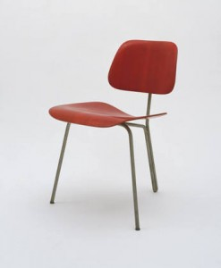 Charles Eames Three legged side chair from 1944 (photo via http://www.moma.org/