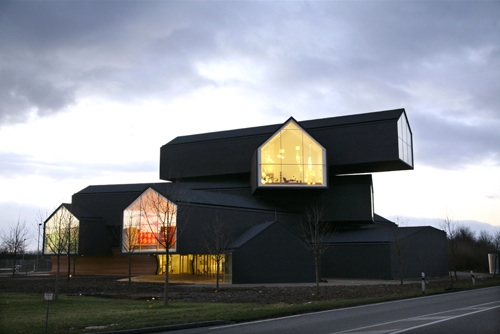 VitraHaus in evening light ... at night the effect is even more enhanced