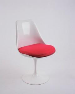 Tulip Chair by Eero Saarinen for Knoll International