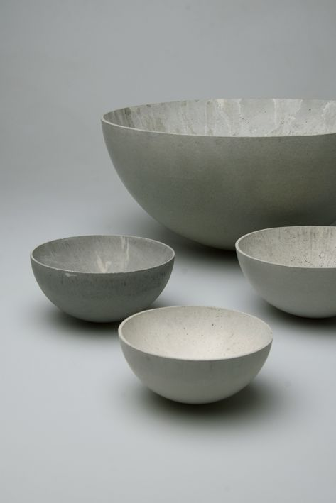 Concrete bowl by Stephan Schulz for betonui