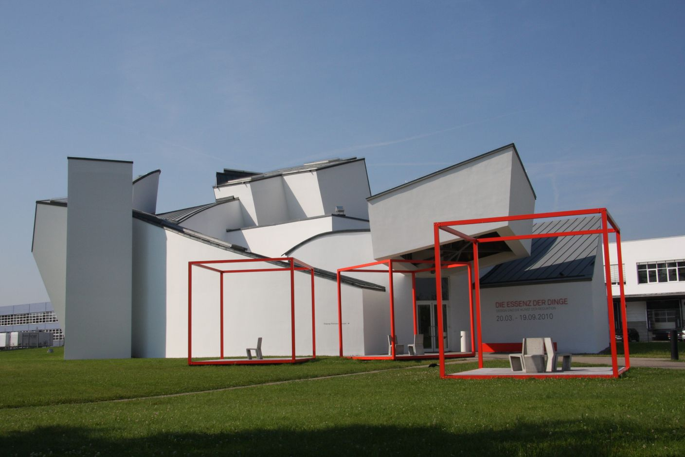 Vitra Design Museum: The Essence of Things. Design and the Art of Reduction