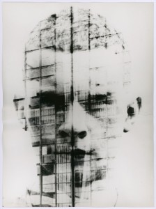 Hajo Rose: Ein Selbstporträt gemischt mit der Fassade des Bauhaus Dessau (© VG Bild-Kunst, Bonn)