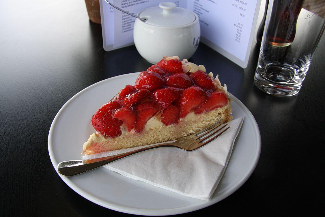 Strawberry Cake, VitraHaus, Vitra, Weil am Rhein