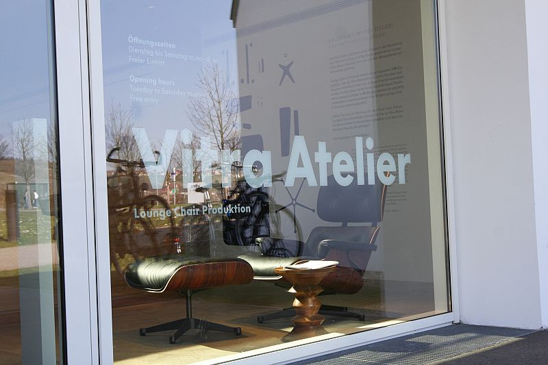 Vitra Atelier - Loung Chair construction LIVE!