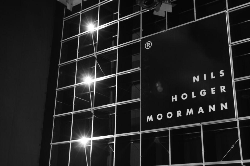 milan 2011 stand construction with nils holger moormann. Black Bedroom Furniture Sets. Home Design Ideas