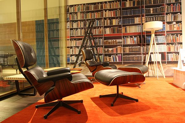 monsieur montebourg and his eames lounge chair smow blog english