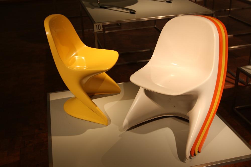 Bauhaus Archiv Berlin Stühle ohne Beine Alexander Begge