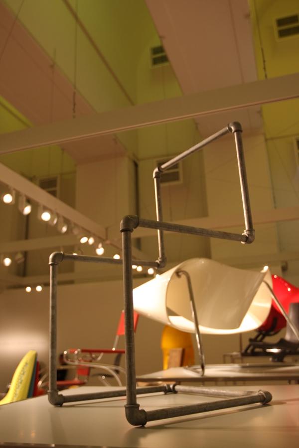 Bauhaus Archiv Berlin Stühle ohne Beine mart stam gas pipe chair
