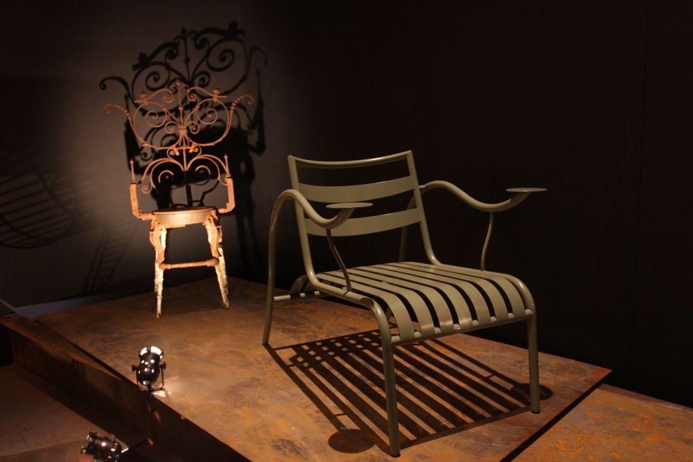 Vu0026A Museum London. British Design 1948 2012: Innovation In The Modern Age. Jasper  Morrison Thinking Mans Chair U0026 Tom Dixon Railings Chair