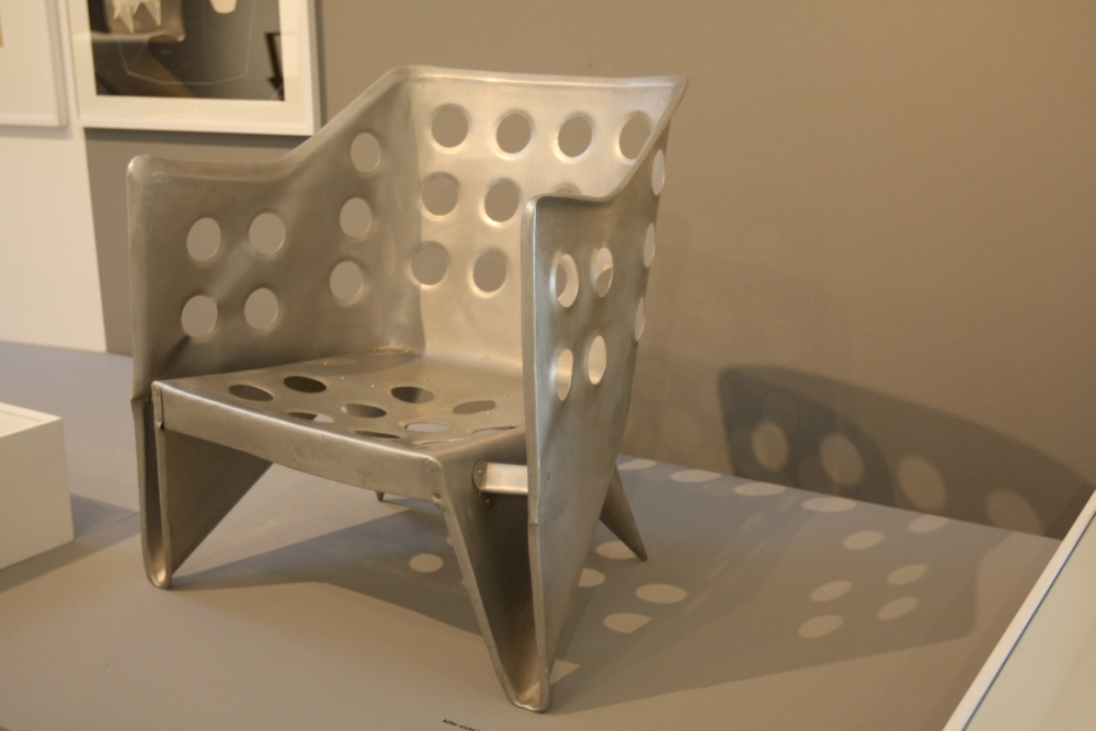 Vitra Design Museum Chairs : Vitra Design Museum: Gerrit Rietveld - The Revolution of Space - smow ...