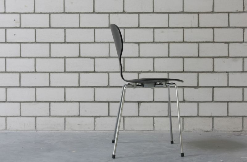 ant chair arne jacobsen fritz hansen side