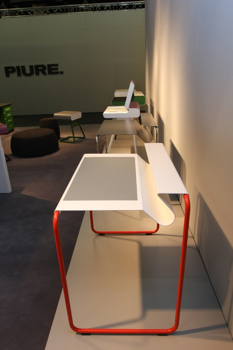 imm cologne 2013 ps 07 bureau von delphin design f r m ller m belfabrikation smow blog deutsch. Black Bedroom Furniture Sets. Home Design Ideas