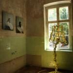 King Size Art and Design Fit for a King Ampelhaus Oranienbaum Anique Weve Koning Keizer Admiraal Sander Bokkinga Hosepipe Floor Lamp XL