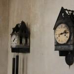 King Size Art and Design Fit for a King Ampelhaus Oranienbaum Frank Halmans Burnt Cuckoo Clocks