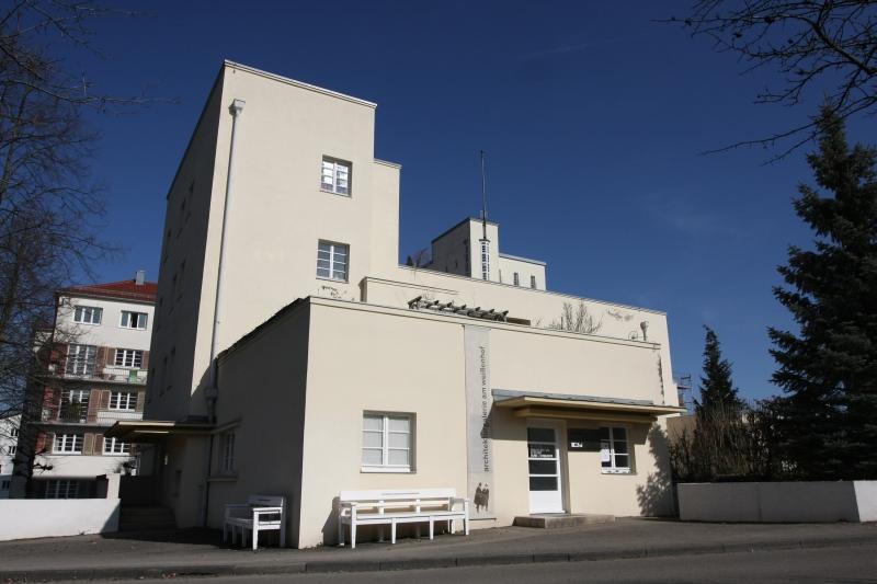 Soziale Hilfsprojekte Fragen Antworten at Architekturgalerie am Weißenhof Stuttgart Germany