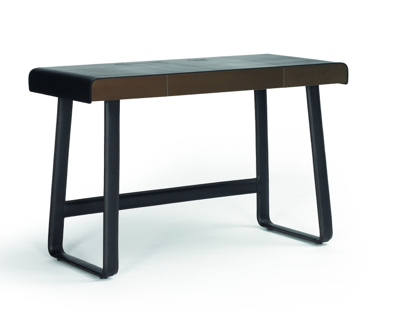 Pegasus Home Desk by Ippolito Fleitz Group Tilla Goldberg for classicon