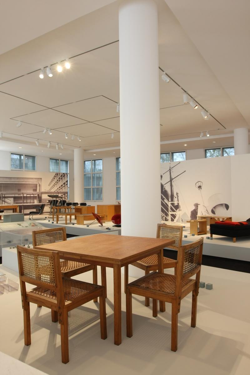 The kramer principle design for variable use museum angewandte kunst frankfurt am main - Kamer dining ...
