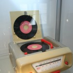 Wilhelm Wagenfeld Die Form ist nur Teil des Ganzen Wilhelm Wagenfeld Haus Bremen Radio-Phono-Komination Combi Braun