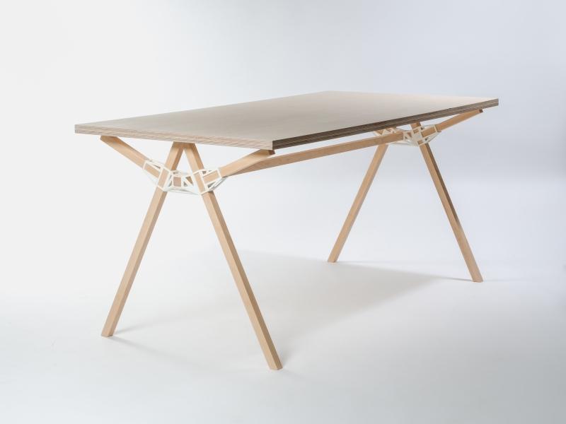 Minale Maeda Keystones table