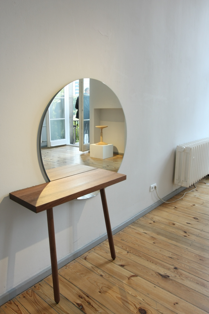 Direktorenhaus Berlin Summer Break VA Neue Arbeiten C58 dressing table Florian Schmid All Wood Stool Karoline Fesser