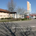 Weil am Rhein City of Chairs Robert Mallet-Stevens, Stapelstuhl Badenova AG, beim SaunaParc Vier Jahreszeiten Laguna