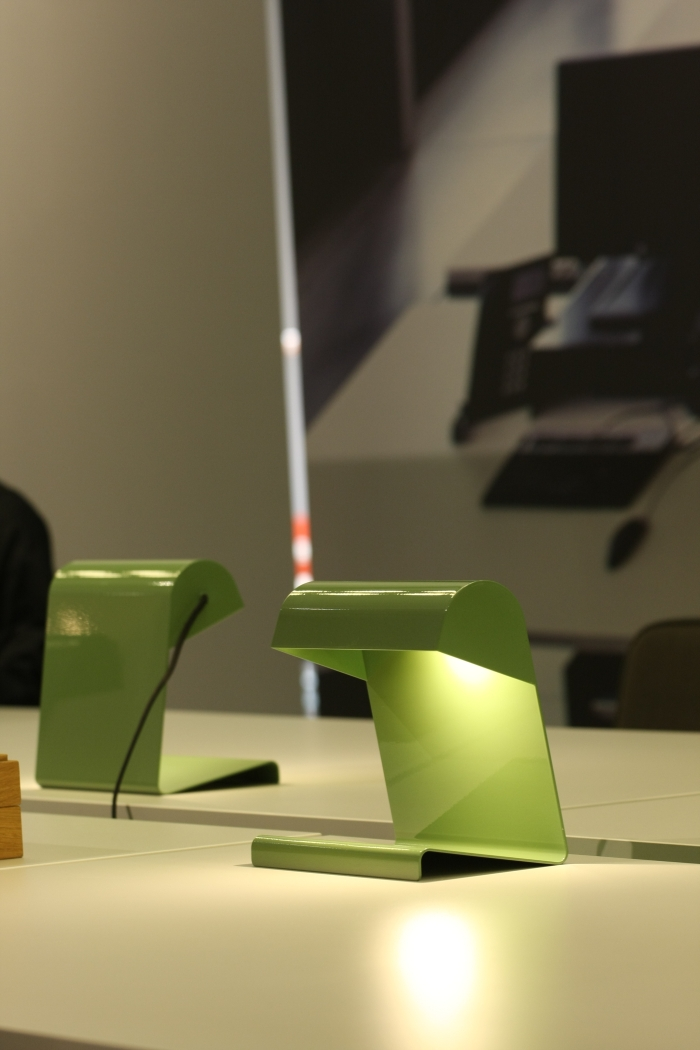 Orgatec Cologne 2014 Vitra Jean Prouve Lampe de Bureau