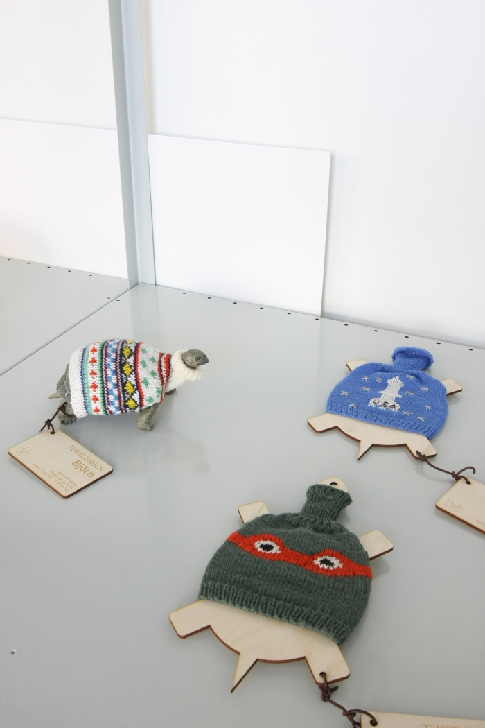 Turtleneck Christof Flötotto & Sven Funcke, as seen at Pet Market, Galerie erstererster, Berlin