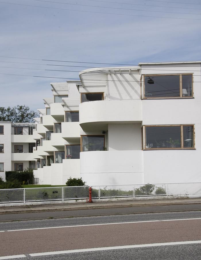 Arne Jacobsen Bellevue Bellavista