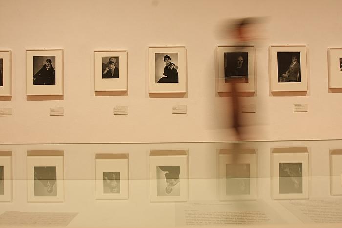 Exampes of Berenice Abbott's 1920s portrait photography by Berenice Abbott, as seen at Berenice Abbott - Photographs, the Martin-Gropius-Bau Berlin