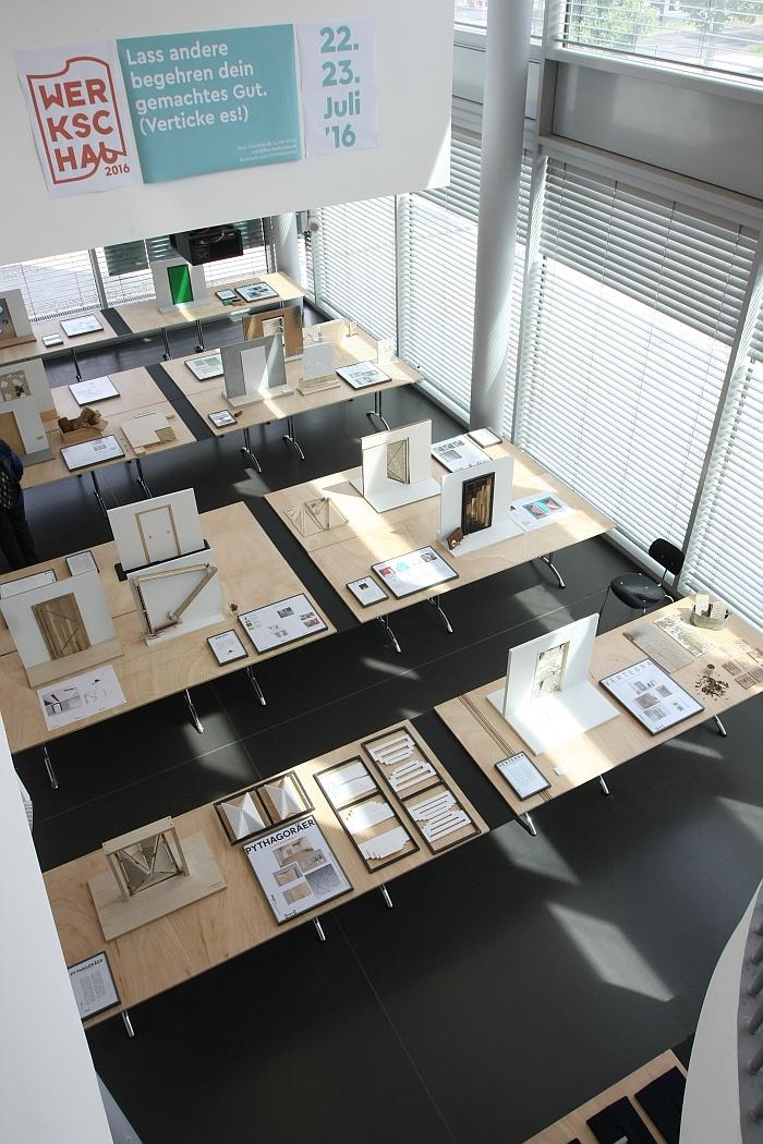 """Presentation of the project """"Neue Türen - PORTA Wettbewerb"""" at the Fachhochschule Potsdam Werkschau 2016"""