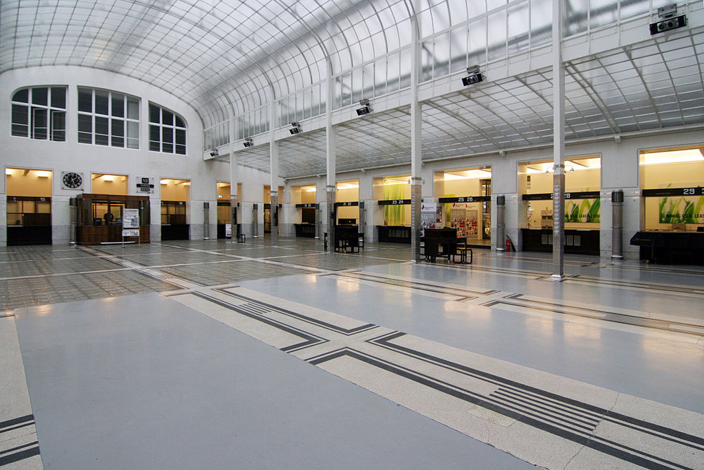 Postsparkasse Wien by Otto Wagner, main banking hall (Photo C. Cossa a.k.a Gingercub, via commons.wikimedia.org)