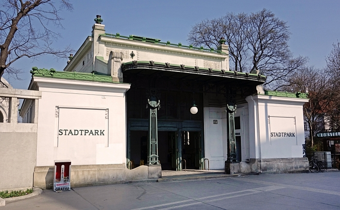 Entrance to Station Stadtpark by Otto Wagner (Photo: Manfred Helmer, © and courtesy Wiener Linien)