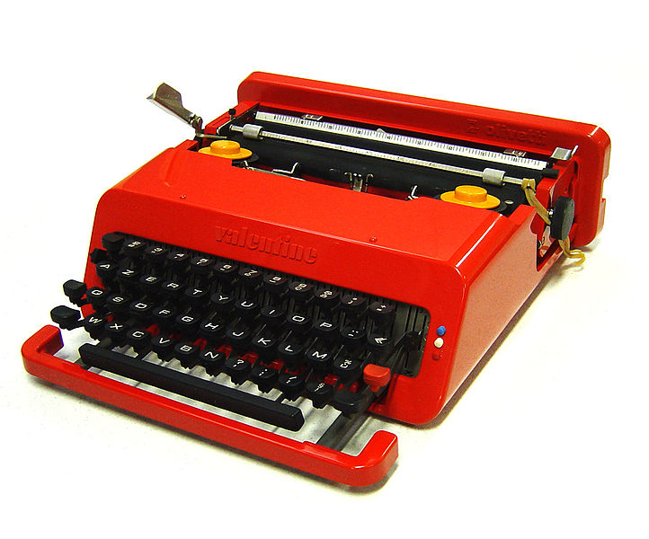 Valentine Portable Typewriter by Ettore Sottsass & Perry King for Olivetti, 1968. (Photo Commons Wikipedia)