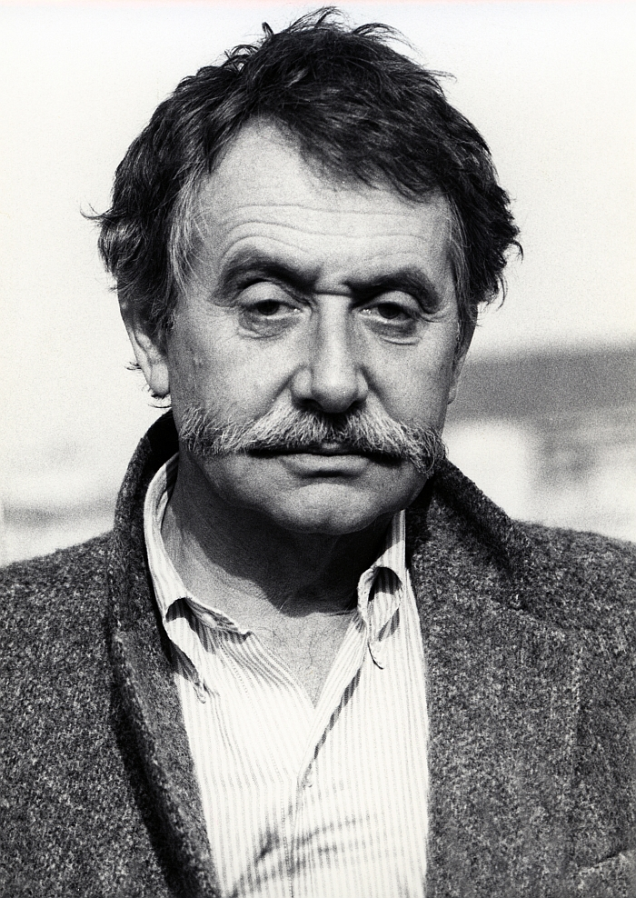Ettore Sottsass (Photo Barbara Radice, 1984 © and courtesy Studio Ettore Sottsass)