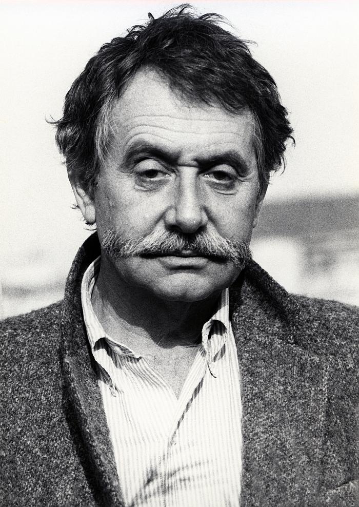 Ettore Sottsass (Photo Barbara Radice, 1984 © and courtesy Studio Ettore Sottsass)