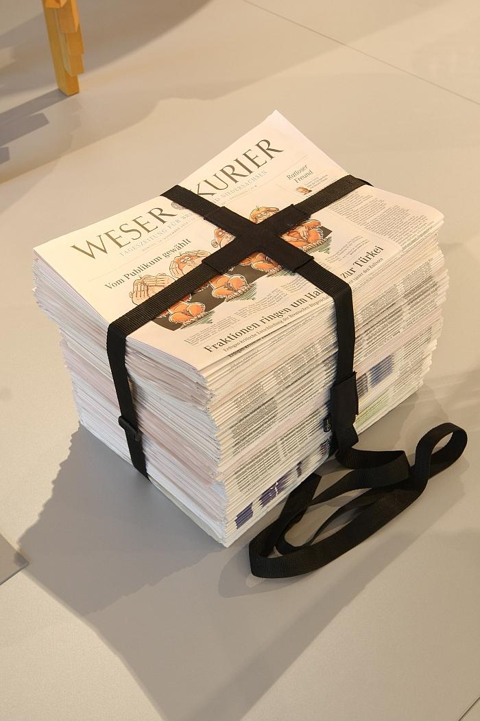 bookstool by arik levy enostudio stapeln ein prinzip der moderne wilhelm wagenfeld haus bremen. Black Bedroom Furniture Sets. Home Design Ideas