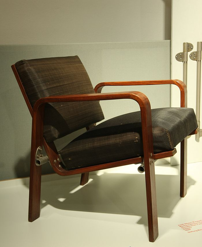 ti 244 armchair by Josef Albers, as seen at Craft becomes Modern. The Bauhaus in the Making, Bauhaus Dessau