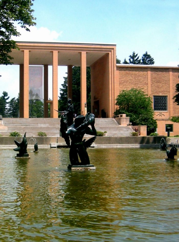 Cranbrook College of Art Peristyle and sculptures by Carl Milles (Photo: Shoughto at the English language Wikipedia via https://commons.wikimedia.org)