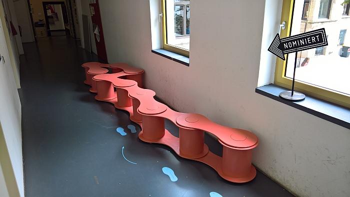 Sitzen Stehend Leute by Amélie Ikas and Chris Walter, as seen at Jahresausstellung Burg Giebichenstein Kunsthochschule Halle