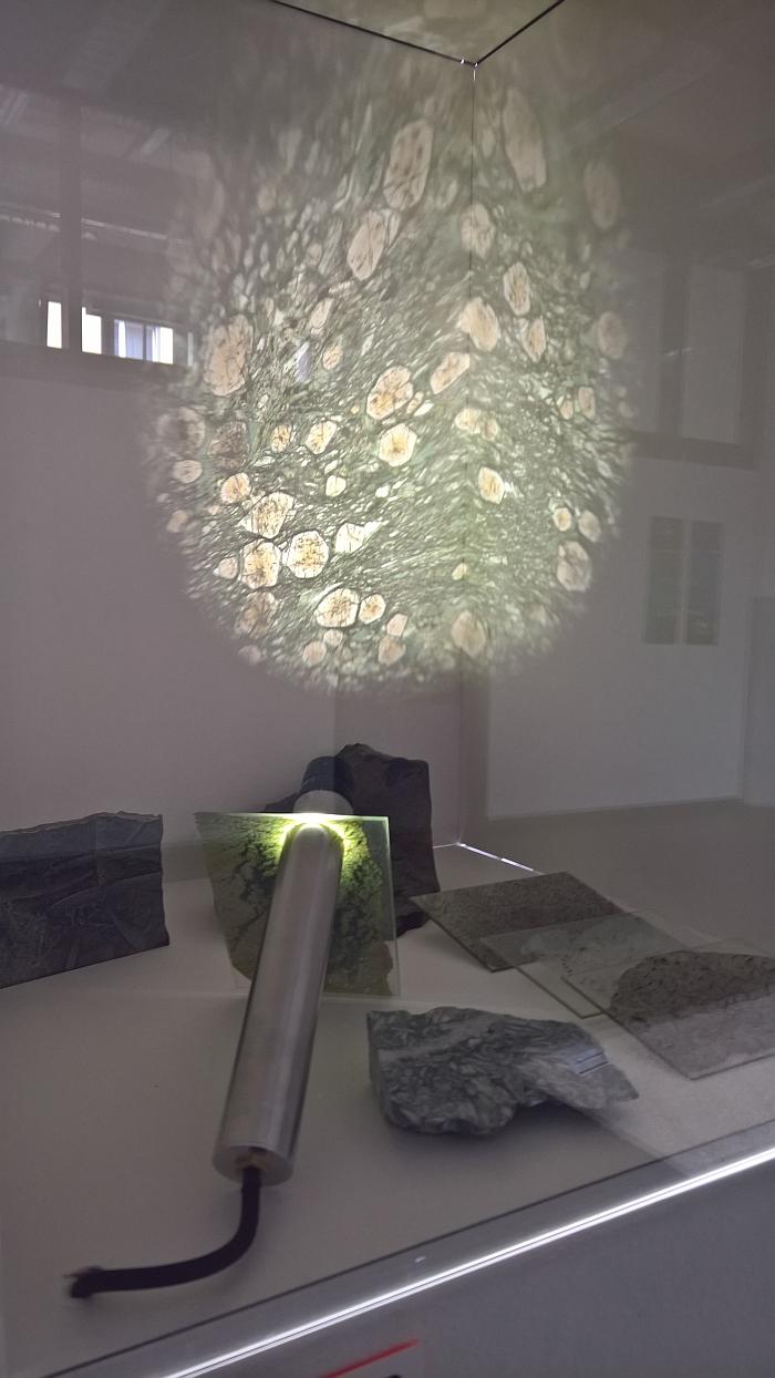 Petroskop by Pia Mareike, as seen at Rundgang durch die Lichthöfe, Hochschule für Gestaltung Karlsruhe