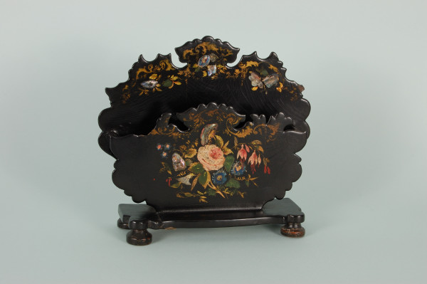19th century japanned letter holder (Photo © Wolverhampton Arts and Museums Service, www.blackcountryhistory.org)