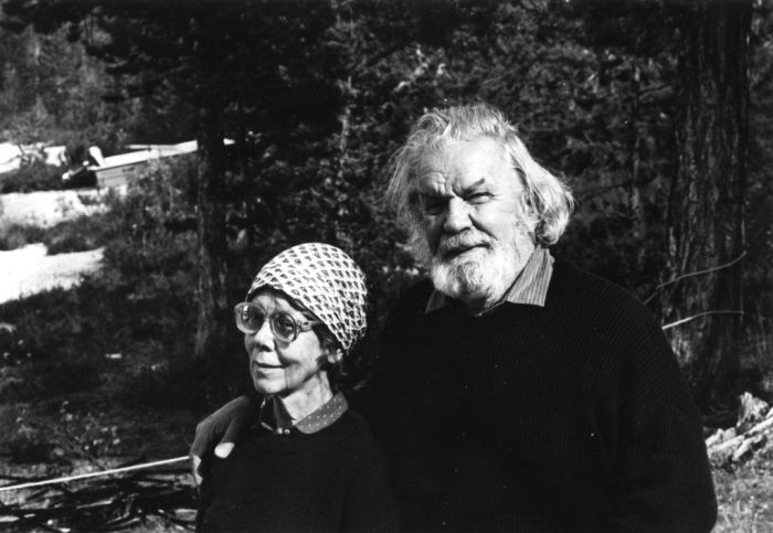 Rut Bryk and Tapio Wirkkala (Photo Maaria Wirkkala, Courtesy Espoo Museum of Modern Art, EMMA)