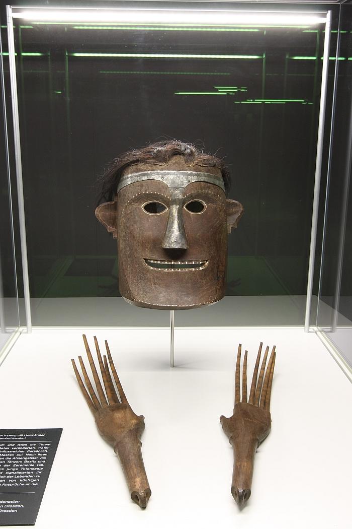 A dancers mask and wooden hands, fromToba-Batak Sumatra, as seen at Tod & Ritual - Kulturen von Abschied und Erinnerung, Staatliches Museum für Archäologie Chemnitz