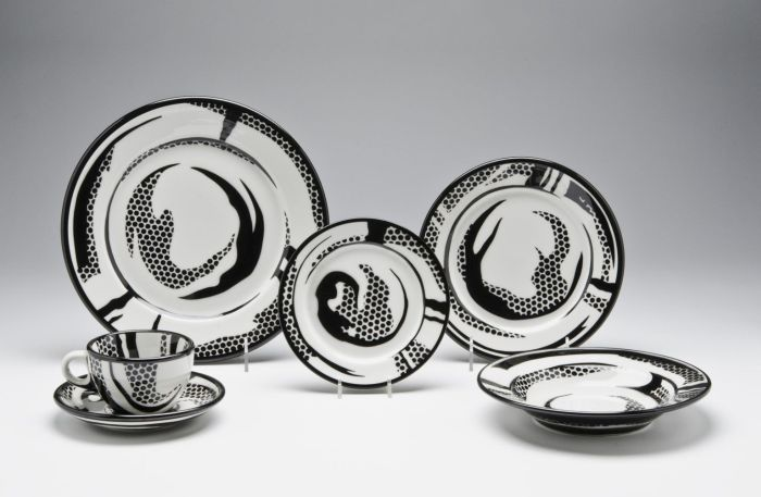 A 1967 Dinner Service designed by Roy Lichtenstein, part of Design in Revolution: A 1960s Odyssey at Philadelphia Museum of Art (Photo © and courtesy Philadelphia Museum of Art)
