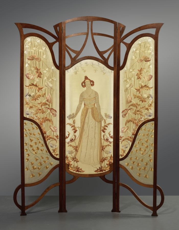 Threefold room divider Flower Queen by Carel Wirtz (1884-1944) executed by Atelier Hubert Fermin, The Hague (1902) (Photo courtesy Gemeentemuseum Den Haag)