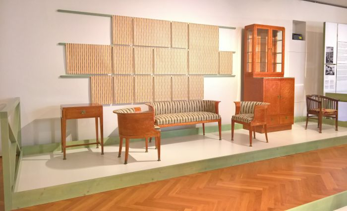 Damenzimmer in Döblergasse by Otto Wagner, as seen at Wagner, Hoffmann, Loos and Viennese Modernist Furniture Design. Artists, Patrons, Producers